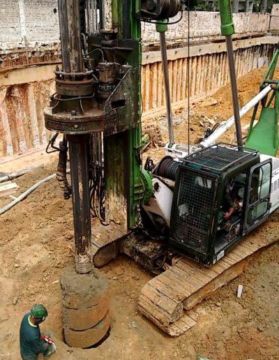 Máquina Torre Perfurando